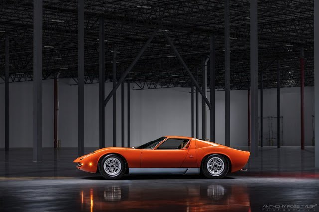 A CELEBRATION OF AUTOMOTIVE ART & DESIGN